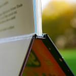 Hochwertige Bindung und Hochglanz-Hardcover